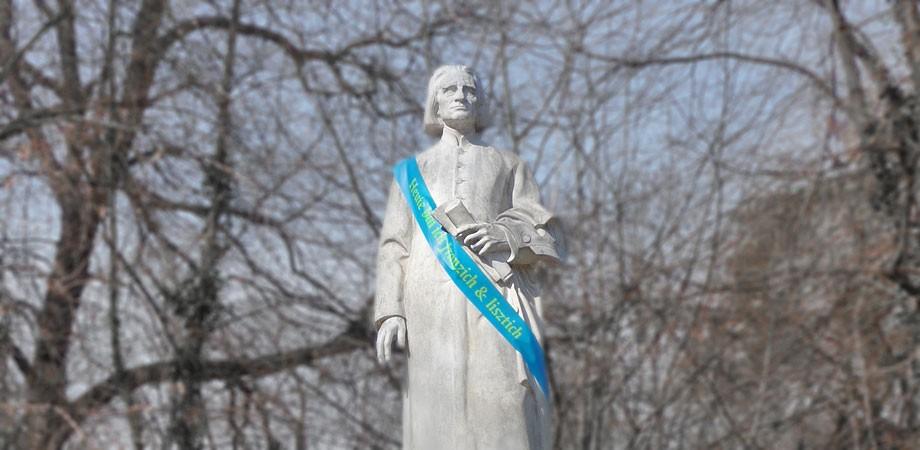 Franz Liszt Denkmal am 21.März 2011