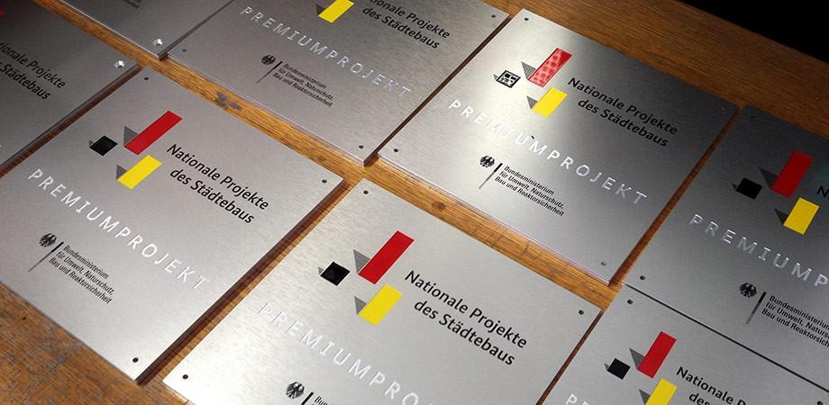 Plaketten für die Nationalen Projekte des Städtebaus 2015 ff